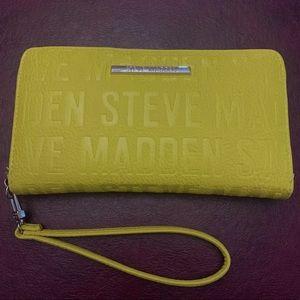 Steve Madden Wallet Wristlet